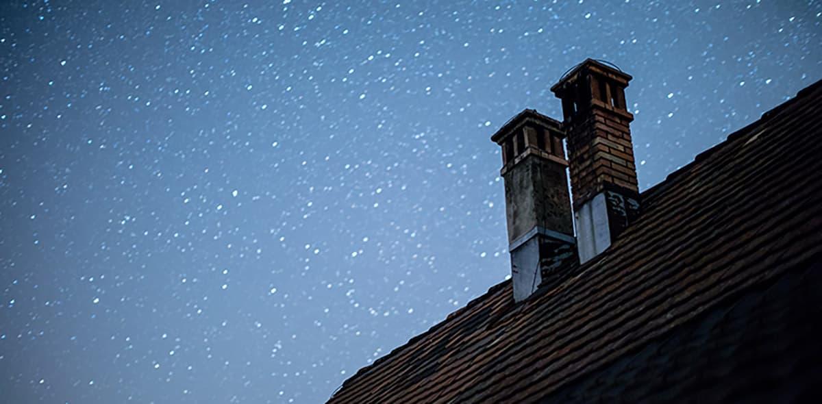 Wilgoć w kominku i cieknący komin – Jak pozbyć się wilgoci na kominie?