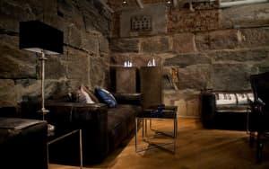 Skuteczne osuszanie budynków – Jak pozbyć się wilgoci i pleśni ze ścian?